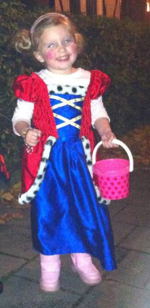 How can I put my little princess into a school uniform?